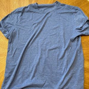 XL deeper blue lululemon tee shirt